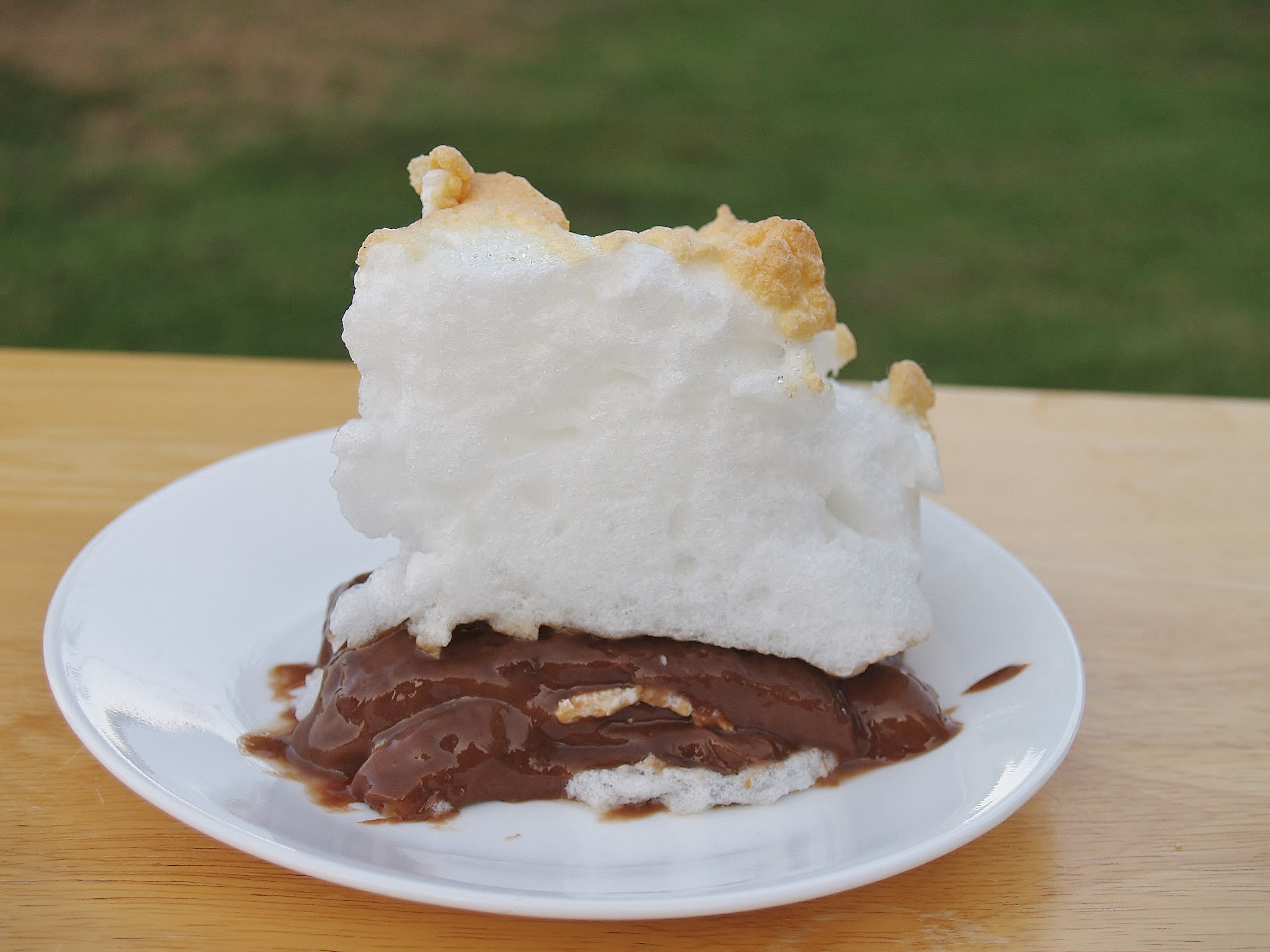 Chocolate Pie with Meringue/Kelli's Retro Kitchen Arts