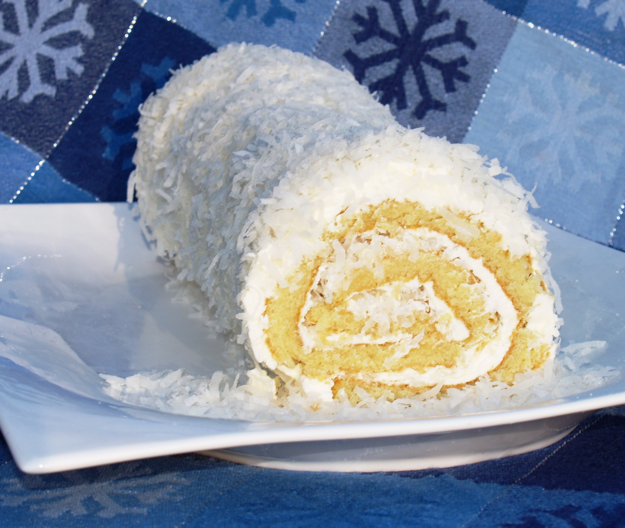 Old Fashioned Pineapple Cake: Coconut Roulade Roll Cake