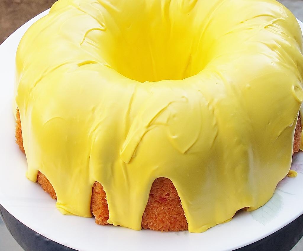 Strawberry Cake with Lemon Icing