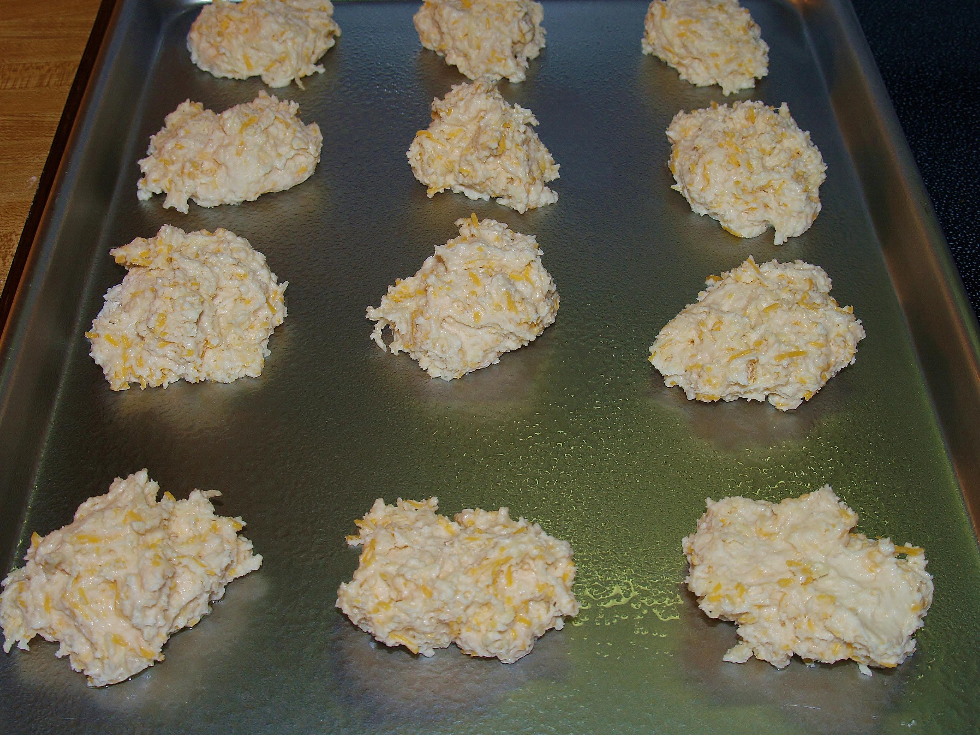 Cheddar Biscuits for My Valentine/Kelli's Retro Kitchen Arts