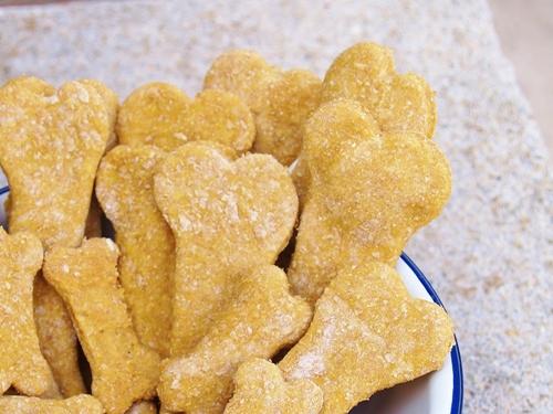 Homemade Dog Biscuits/Kelli's Retro Kitchen Arts