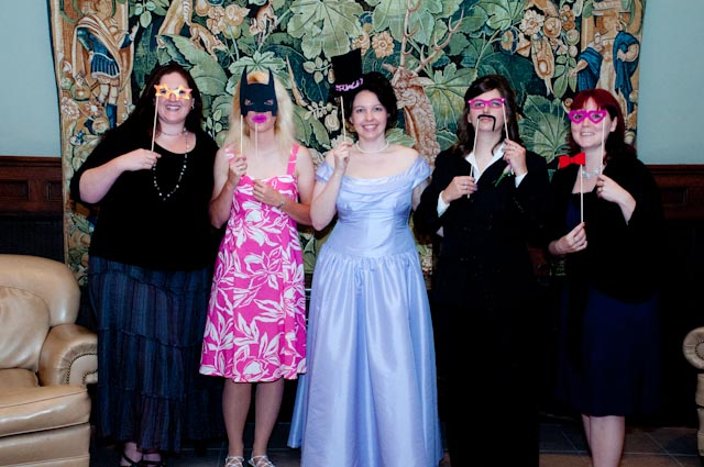 Top Girl's Wedding - girls in masks