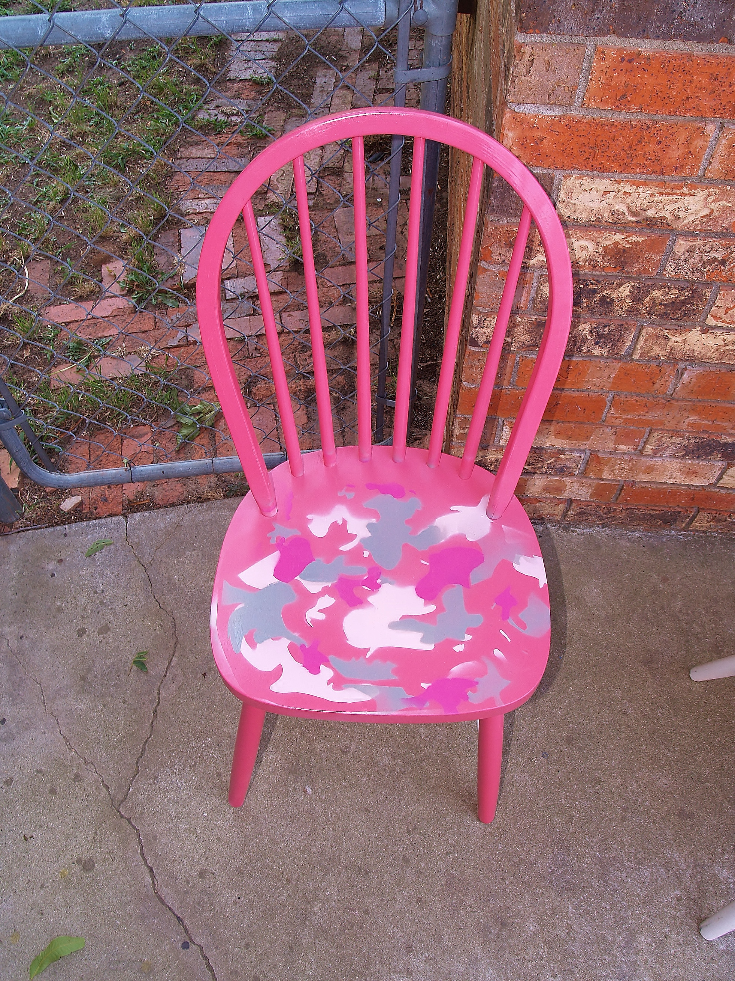 Girl's Camo Chair