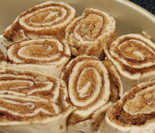 Gluten Free Cinnamon Rolls/Kelli's Retro Kitchen Arts