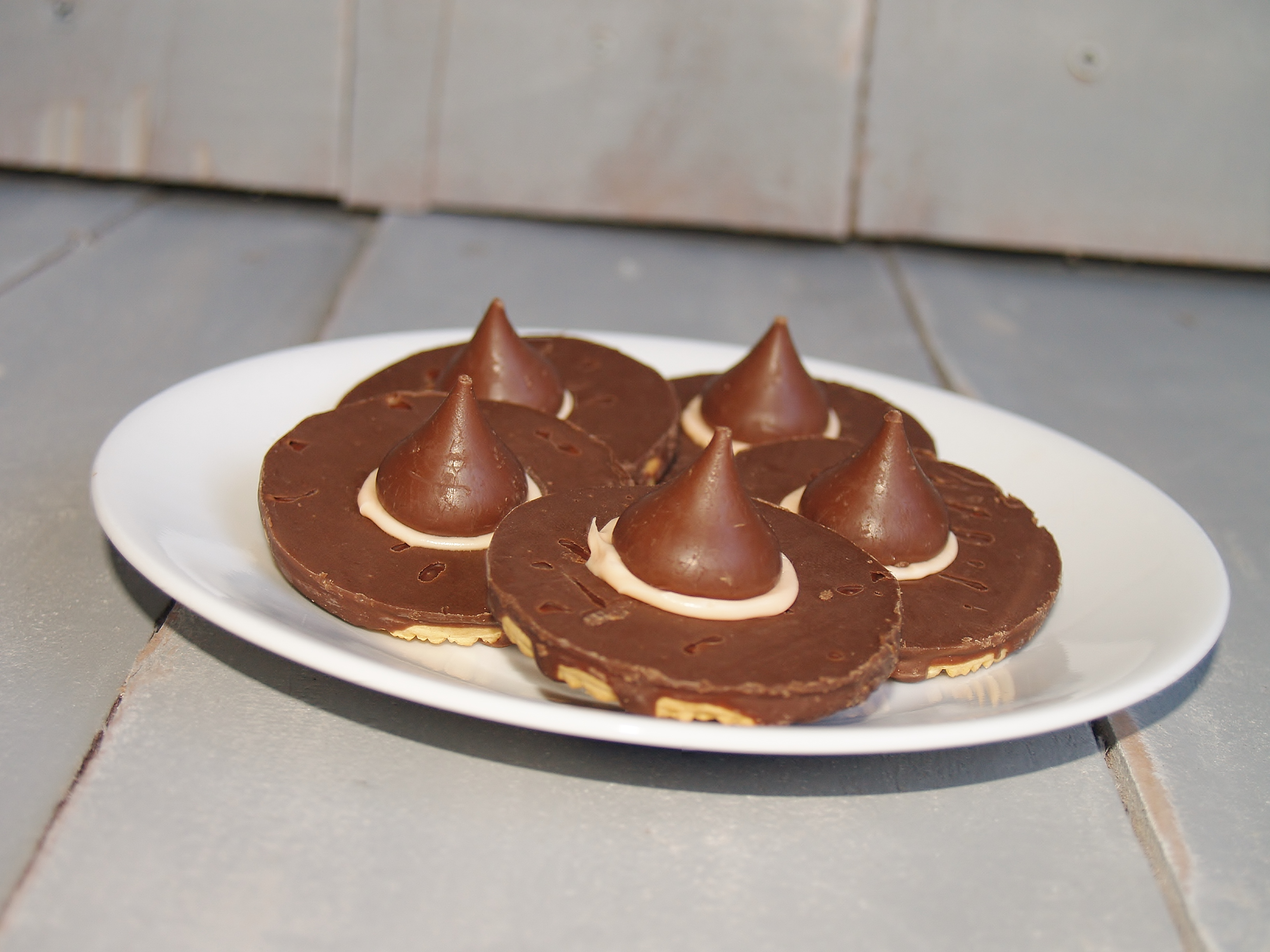Easy Witches Hats from Kelli's Kitchen.