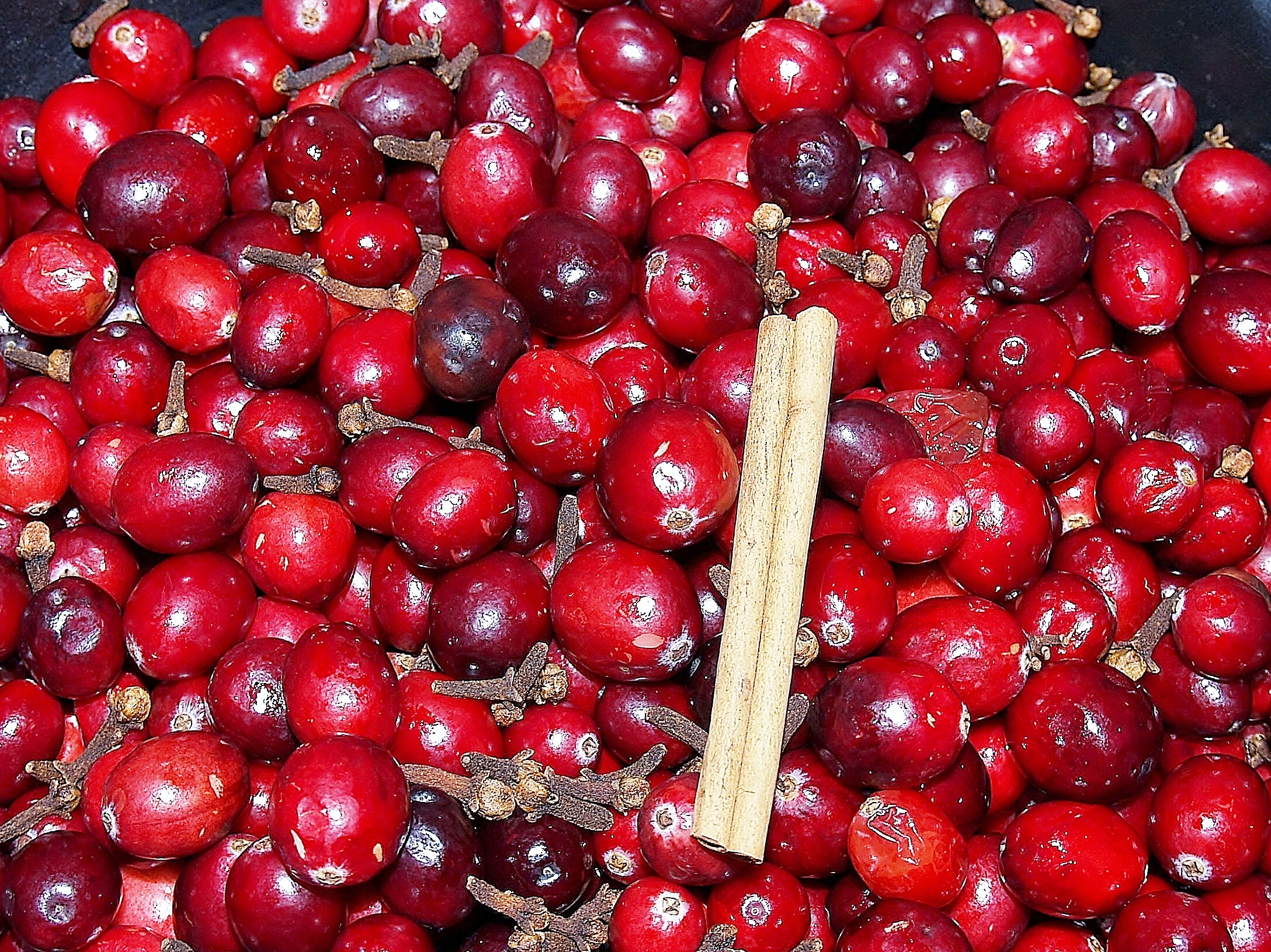 Cranberry, Clove and Cinnamon Ham Glaze