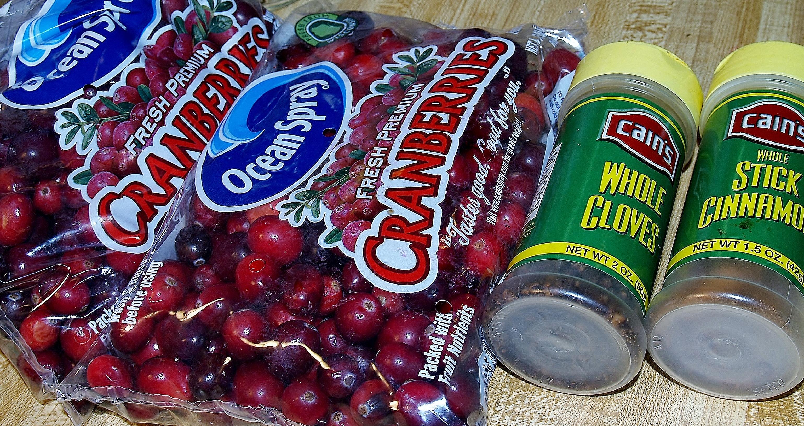 Cranberry, Clove and Cinnamon Ham Glaze/ Kelli's Retro Kitchen Arts