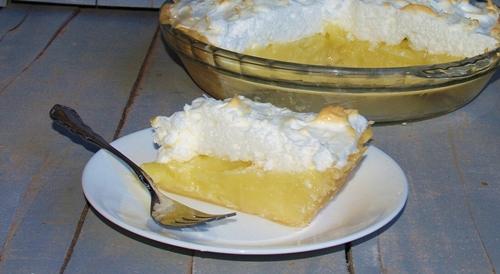 Nana's Old Fashioned Coconut Cream Pie with Meringue – Kellis Kitchen