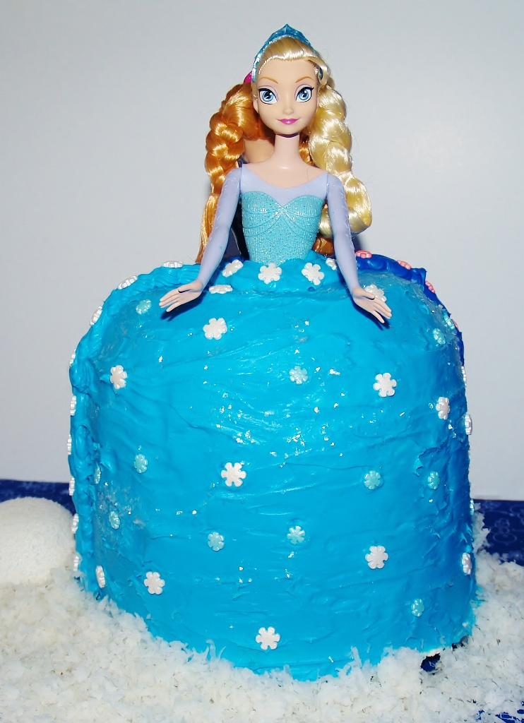Frozen Doll Cake- Kellis Kitchen