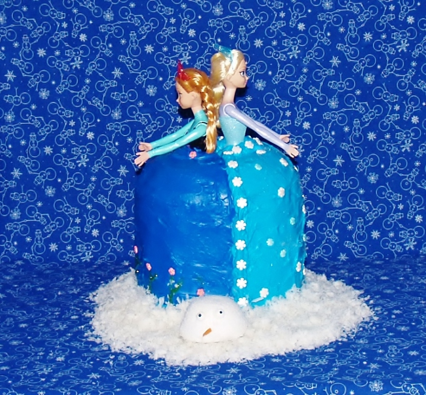 Frozen Doll Cake - Kellis Kitchen