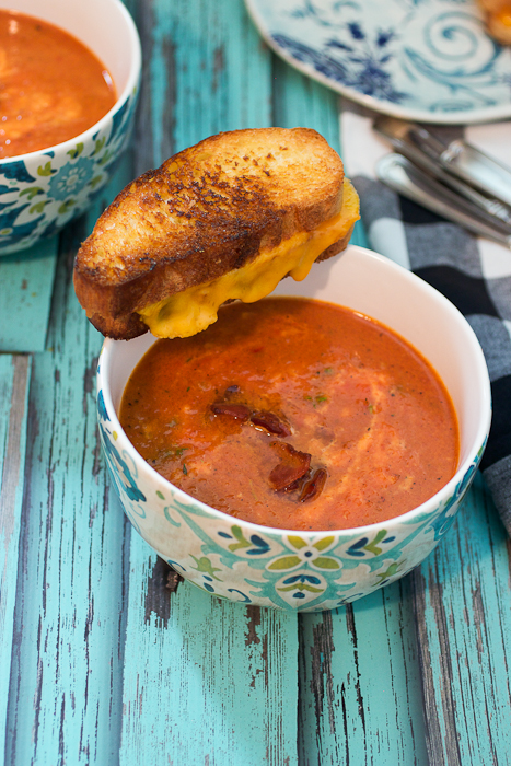 Roasted-Red-Pepper-Tomato-and-Bacon-Soup-3