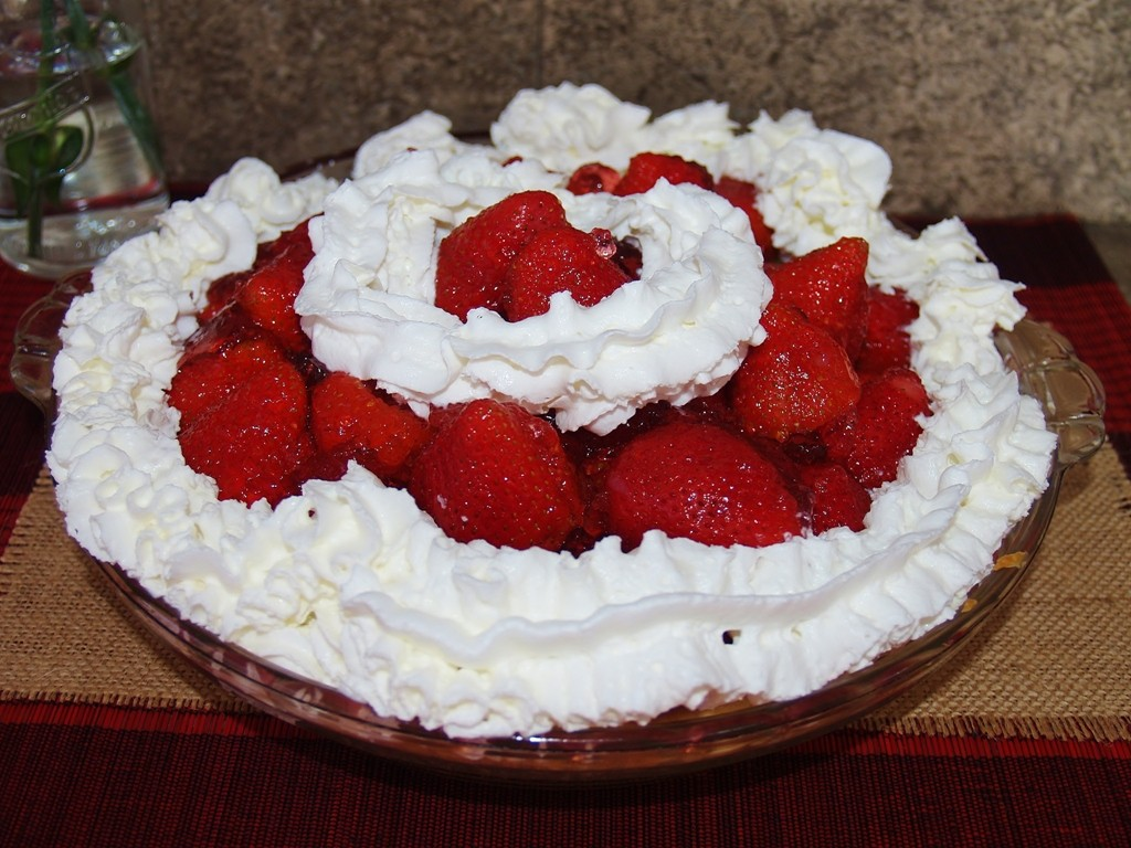Shoney's Strawberry Pie #valentinesday #cookbookaffair #giveaway