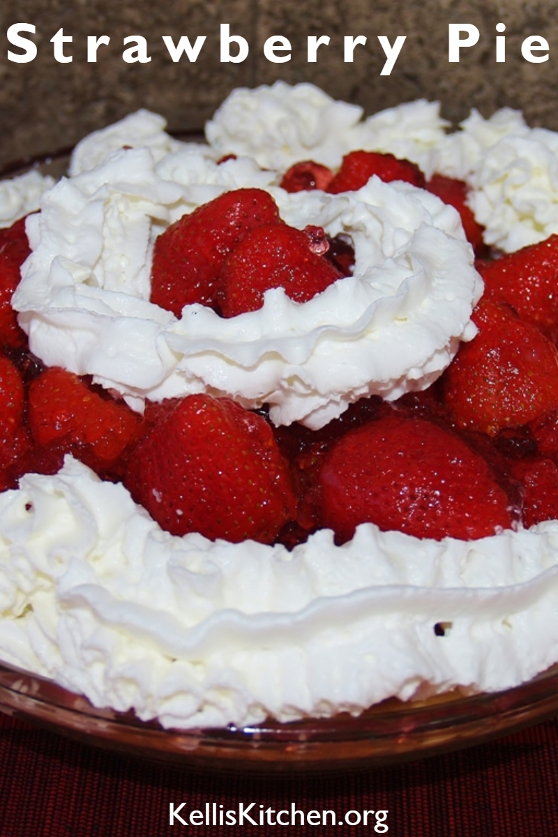 Shoney's Copycat Strawberry Pie via @KitchenKelli