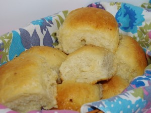 Potato Rolls-how to make bread from instant potatoes. From KellisKitchen.org