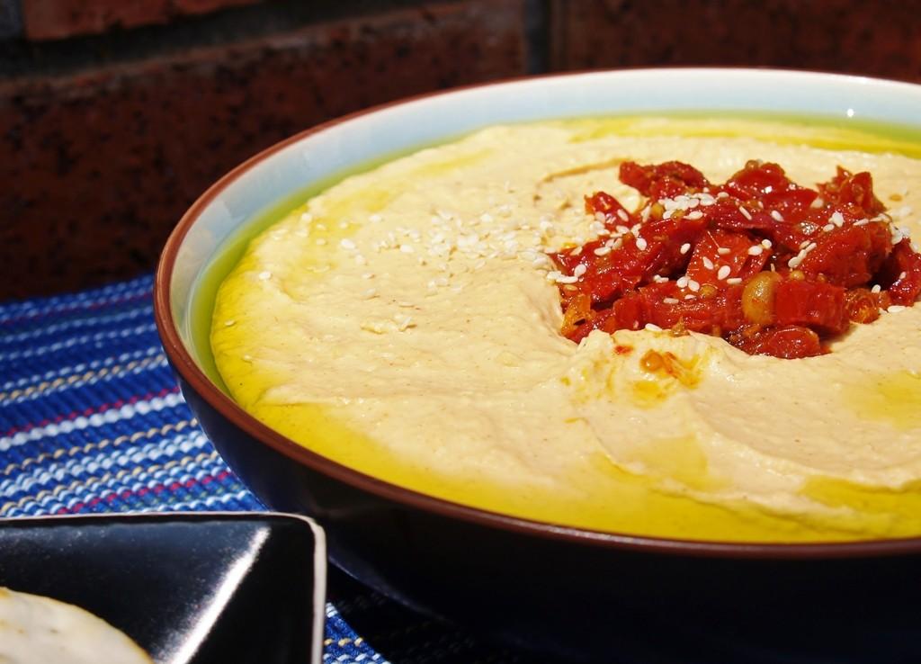 Garlic and White Bean Hummus
