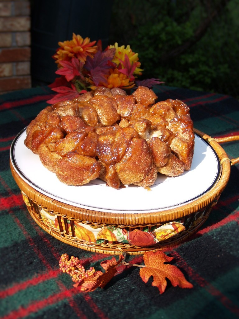 Easy Cinnamon Butter Monkey Bread