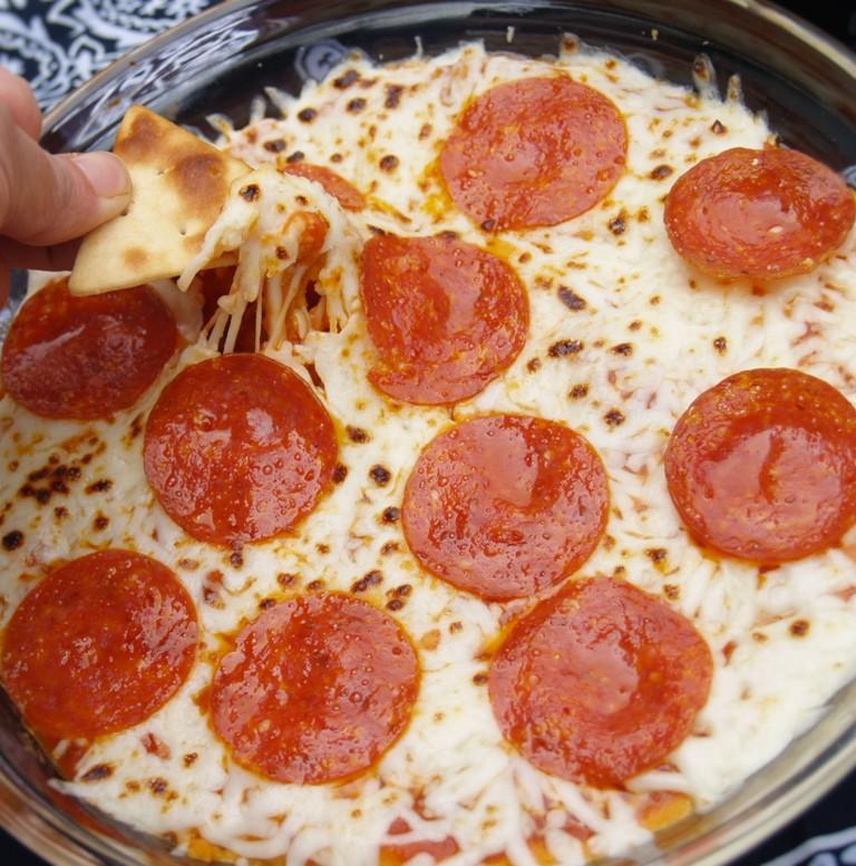 Hummus Pizza Dip